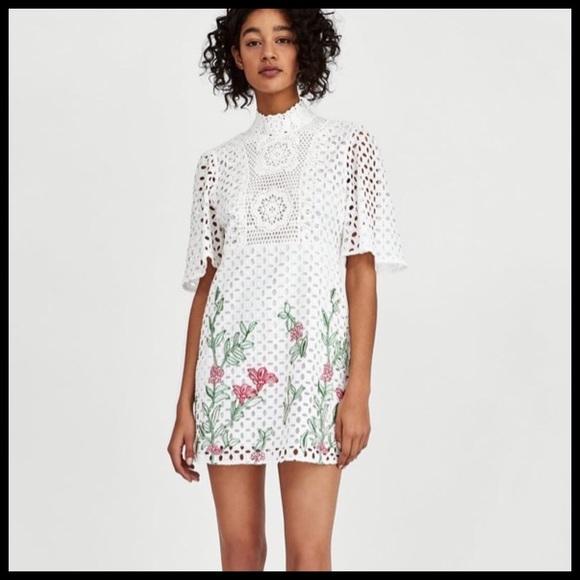 8210eb35136  Zara  Embroidered Lace Dress